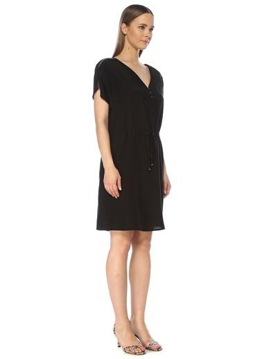 NetWork Kadın 1075258 V Yaka Beli Büzgülü Midi Elbise Siyah